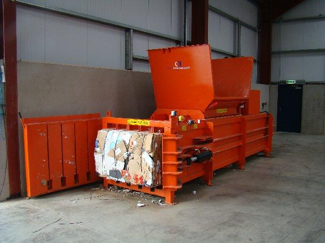 CK450H bale discharge 1
